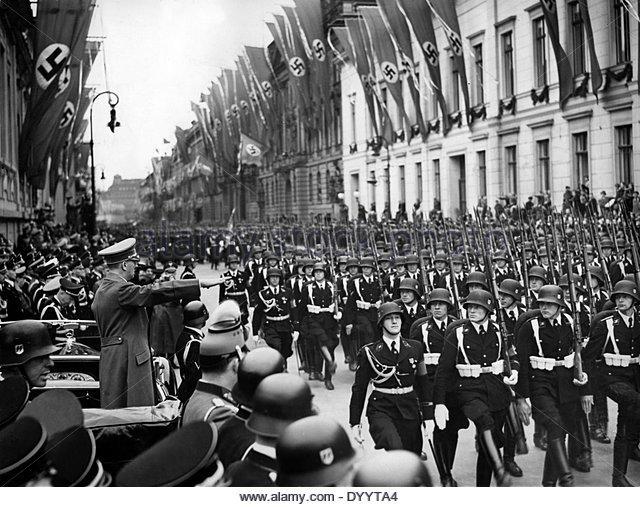 Parade of the SS Leibstandarte 'Adolf Hitler'