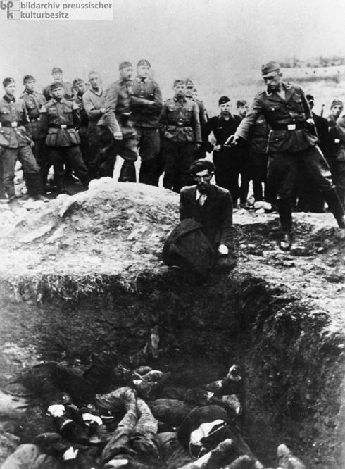 <em>Einsatzgruppen</em>