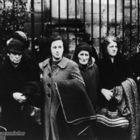 Polish_Jews_Gather_Before_Deportation.jpg